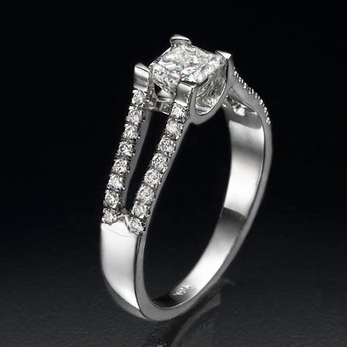 Solitaire ring, Engagemant ring, Princess cut diamond Solitaire ring