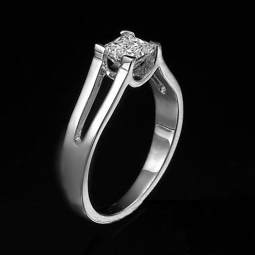 Solitaire ring, Engagemant ring,Princess cut diamond Solitaire ring