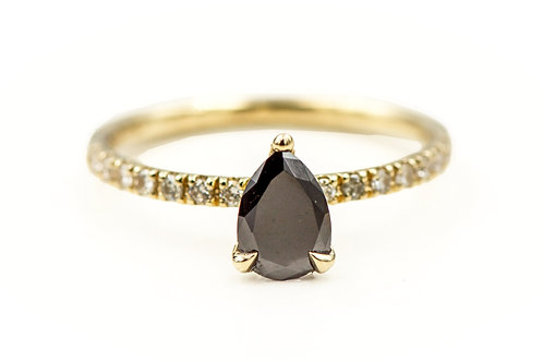 Solitaire ring, Engagemant ring, Pear shape diamond Solitaire ring, Black diamond