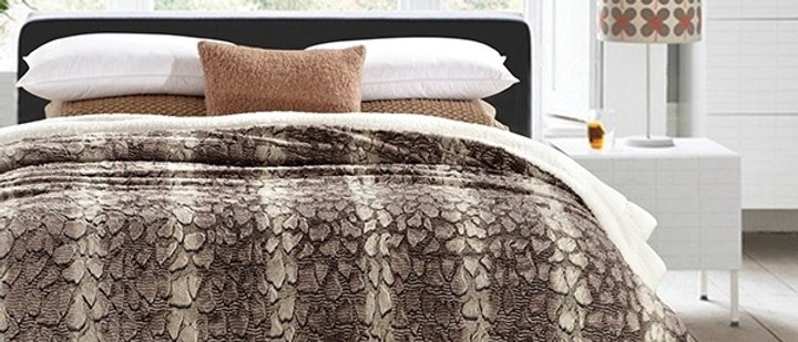 Snake Faux Fur Luxury Filled Plush Blanket