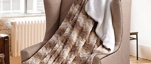 Sandstone Hills Faux Fur Luxury Filled Plush Throw