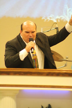 pastor.jpg