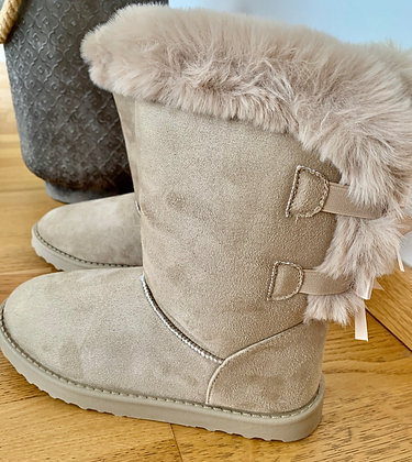 Boots UGGYRef 301
