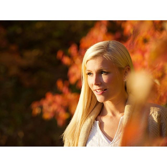 🍁Golden🍁 📷 credit_ _emilyjohayes #capture #photo #autumncolors #fall #golden #blonde #minnesota #