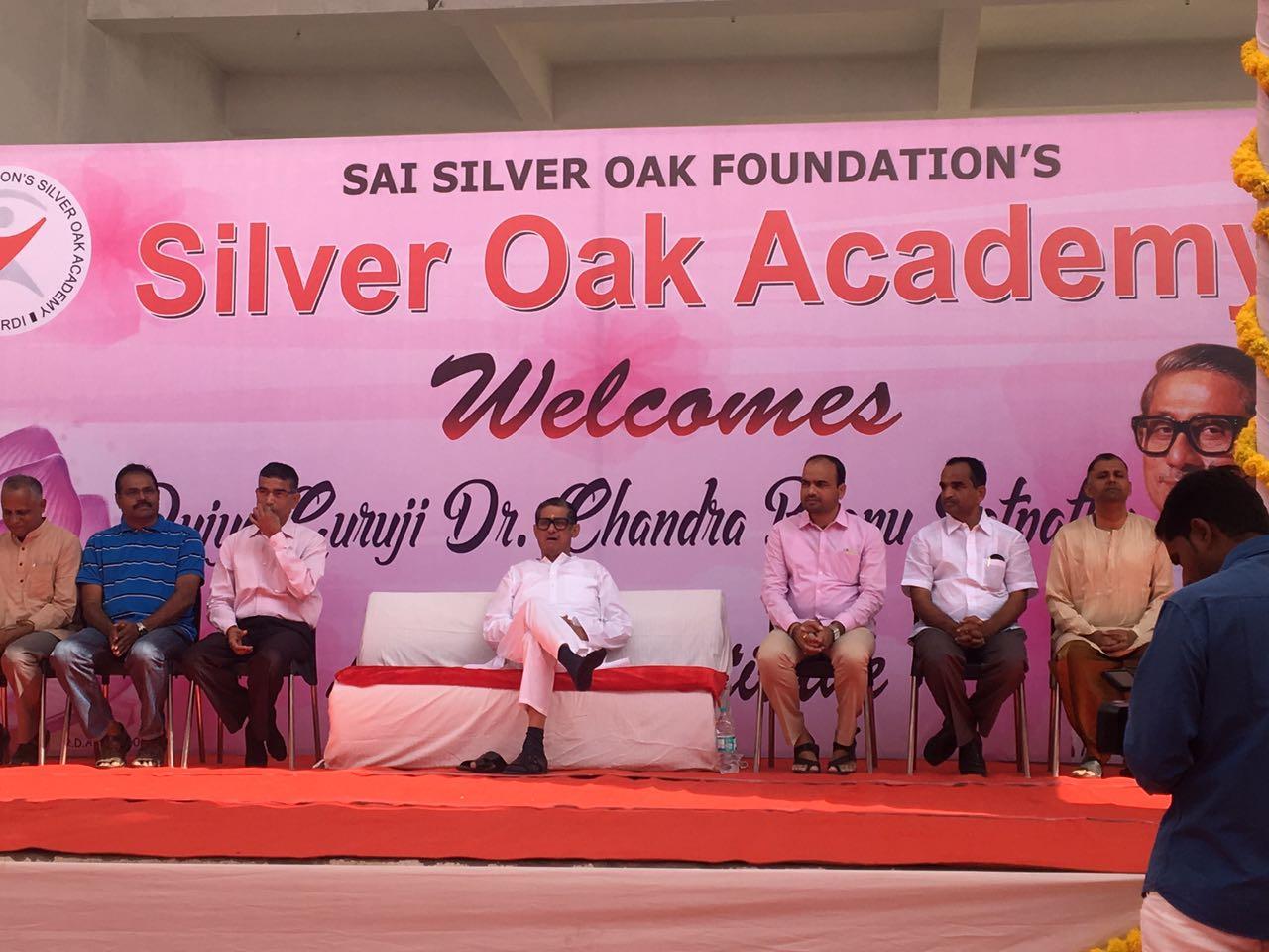 Dr Satpathy In Silver Oaks Academy Shirdi. (1)