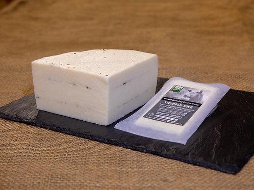 Truffle Ewe - schapenkaas met zwarte truffel - stuk 125 gram