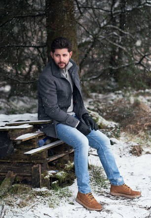 Kayvan sitbox snow