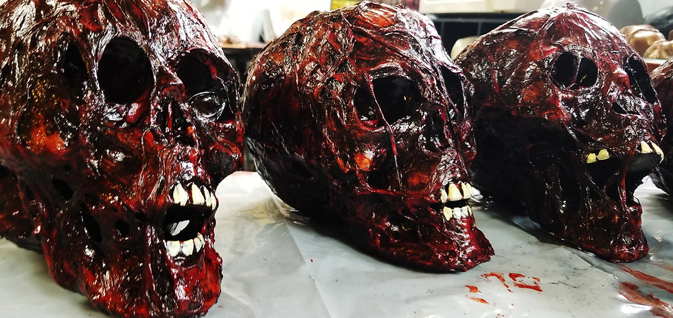 3 CORPSED HEADS