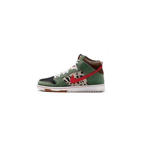 Nike SB Dunk High Dog Walker BQ6827-300