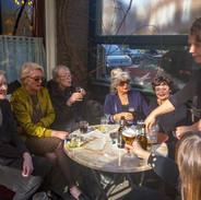 Op het terras, Sonja Bakker, Antionia van Rijthoven, Ike Cialona, Margit van Frankenhuysen,Ankie van de Linde, Elske Rollema, 2018