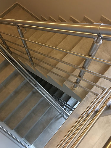 escada_edited.jpg