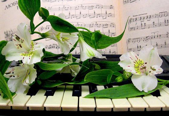 """Литературно-музыкальное мероприятие """"Весны прекрасные мгновенья"""""""