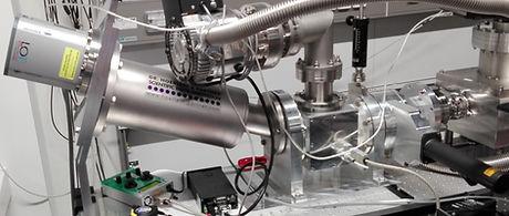 high-resolution XUV spectrometer highLIGHT