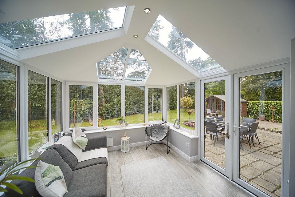 hybrid-conservatory-roof-eyg-2.jpg