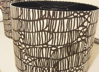 Make a handmade light shade bonded drum shape. Bring the fabric you want.