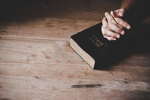 christian-life-crisis-prayer-god.jpg