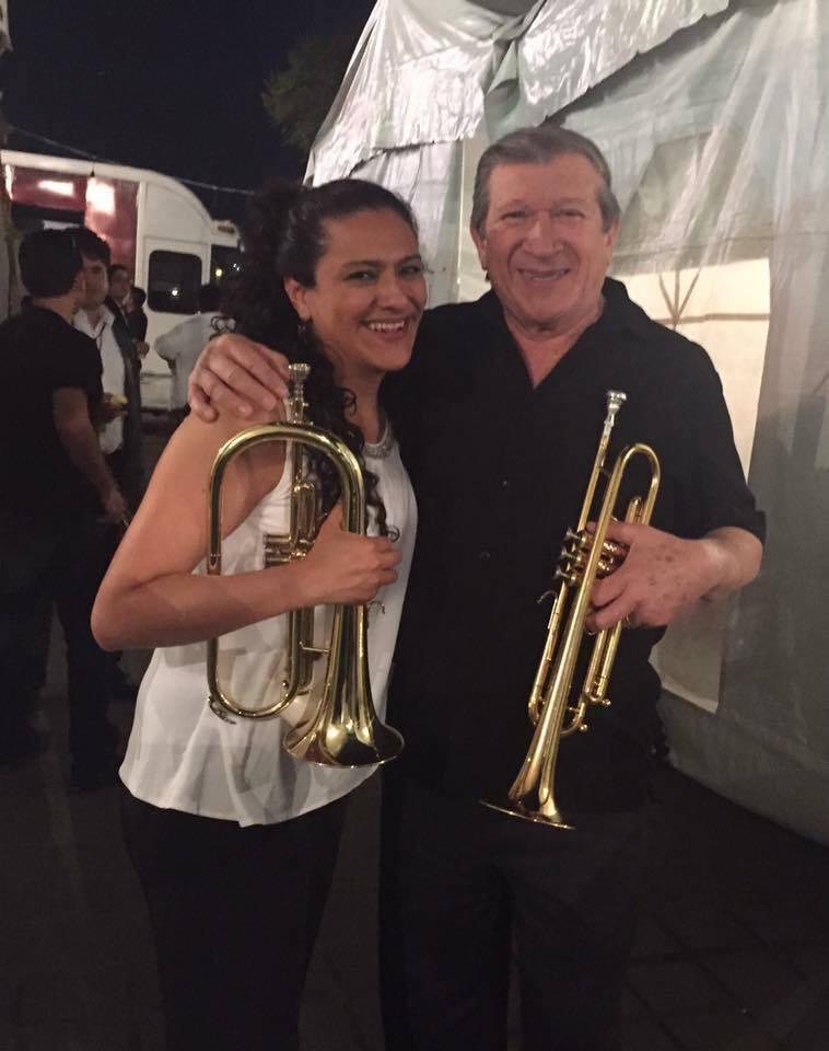 Ale con el trompetista Méxicano Ramón Flores