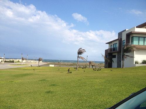 Terreno Comercial en Venta - Fracc. Lomas del Sol - Riviera Veracruzana
