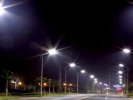 Inefficienza di 19 lampioni segnalati ad A2A