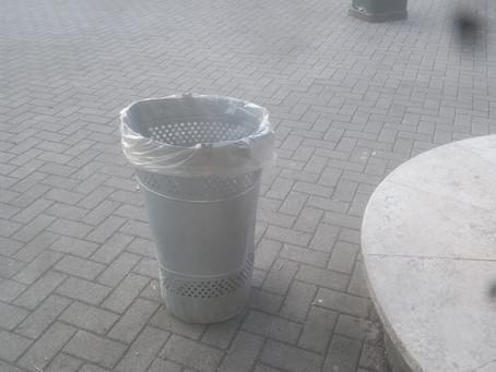La manomissione dei cestini/cestoni portarifiuti comporta una sanzione pecuniaria di € 206