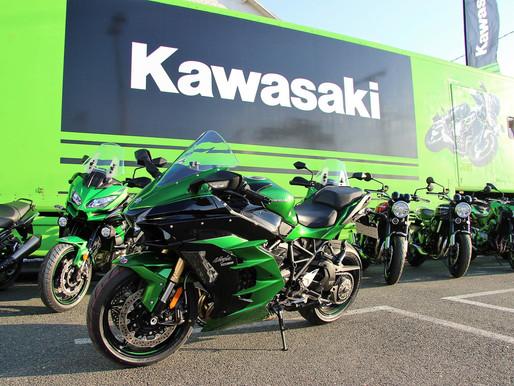 Kawasaki Tour 2018.. avec soleil beau toute la journée.. Y a plus qu'à choisir et se faire plaisir l