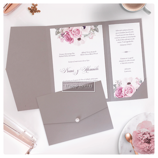 TRIFOLD GREY PINK FLOWERS - STUDIO INVITES