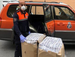 El Rotary Club de Ceuta facilita trajes de protección individual, batas y mascarillas