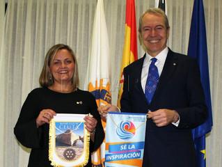 El gobernador de Rotary visita el club de Ceuta