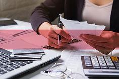 businesswoman-holding-data-files-on-bind