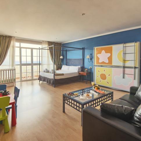 Habitacióbn_Family_Room_(1).jpg
