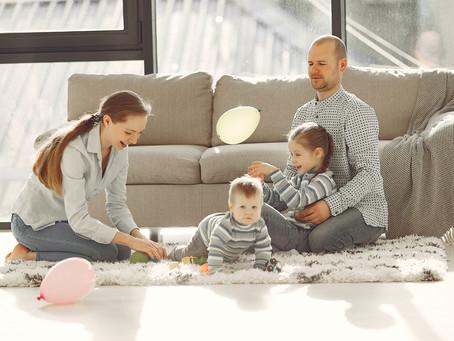 Extranjero con arraigo familiar por ser padre o madre de un menor español, ¿prorrogamos el permiso?