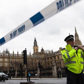 Muslims share safety advice on Social Media after London terror attack