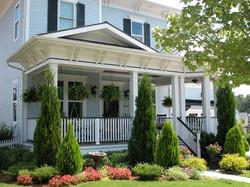 cureton 29 front porch 653 x 490.jpg