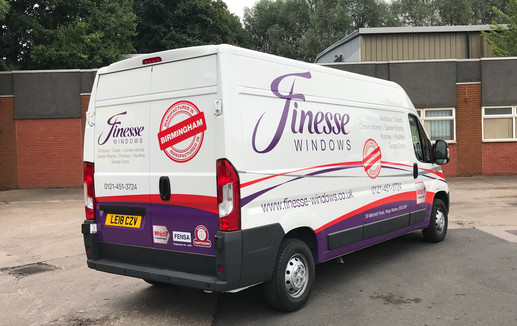 Finesse Van Large