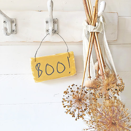 Halloween decorations - Cute Boo! sign