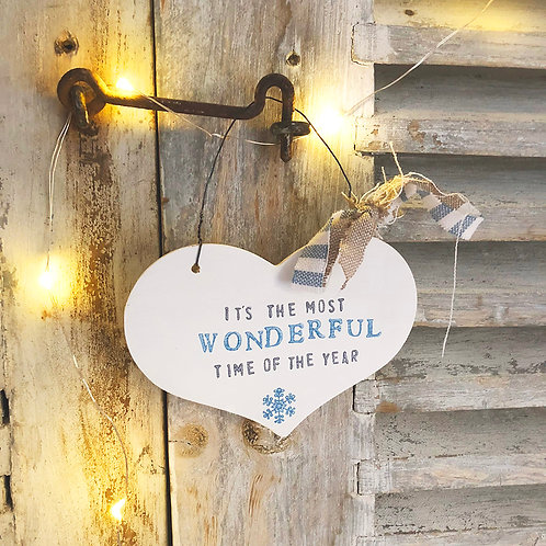 Hanging heart wood sign (Christmas decoration) - It's the most wonderful time of
