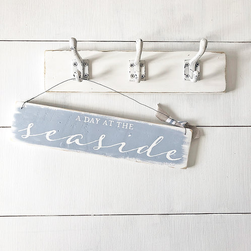 Home accessory - A day at the seaside | Hanging sign