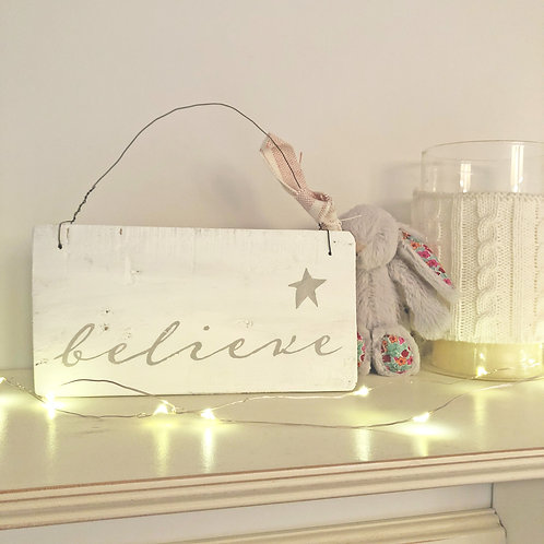 Hand painted Christmas wood sign - Believe