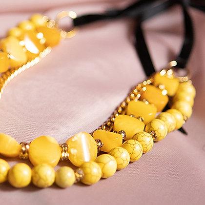 Желтые бусы из натуральных камней