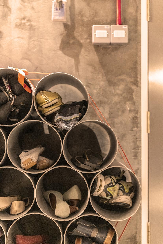 4 Close View Shoe Case