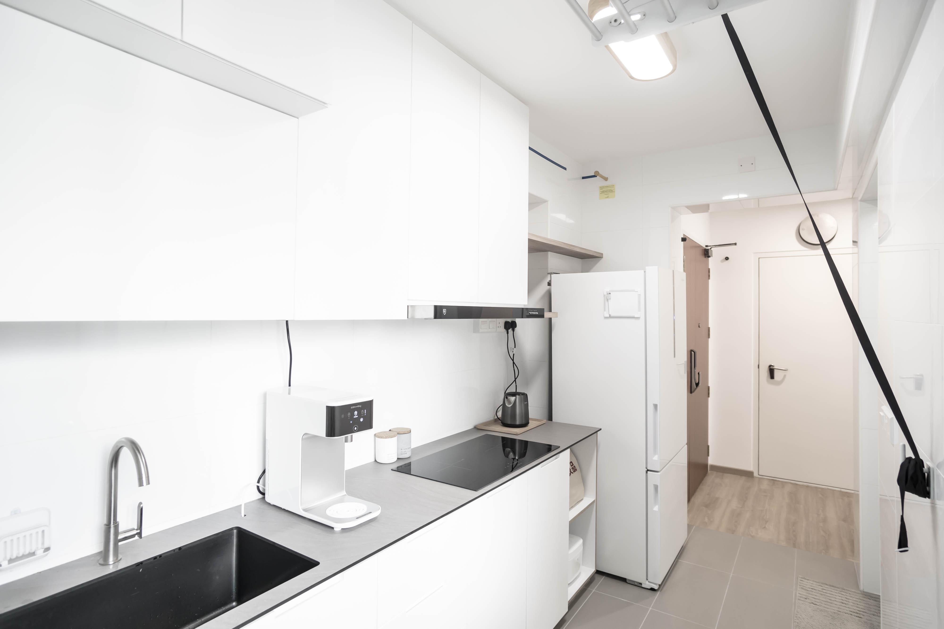 16 Kitchen Entrance