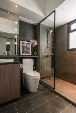 028 Master Bathroom