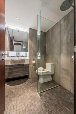 Common Bath 1