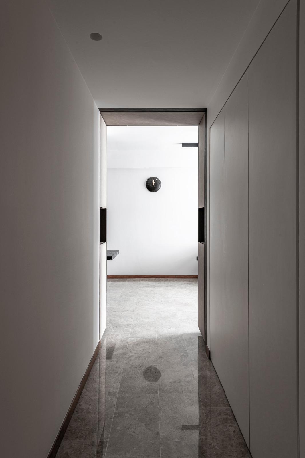 11 Passageway + Living