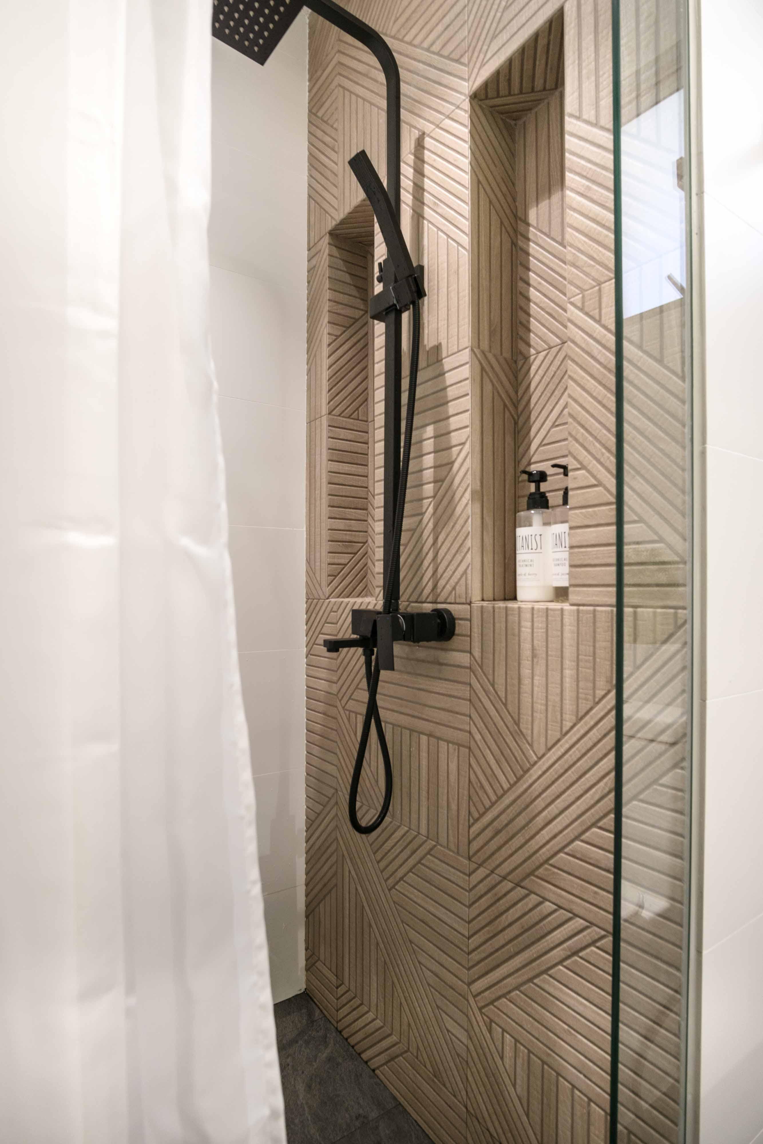14 Common Shower