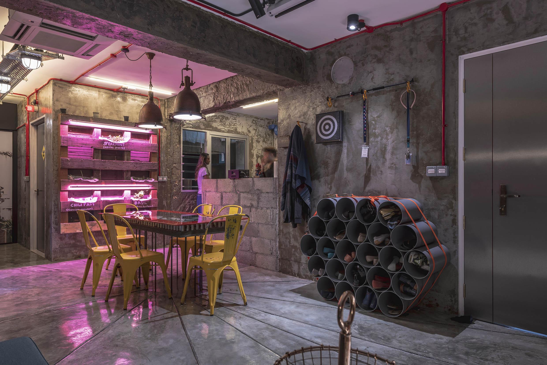 2 Foyer & Dining