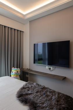 005 Master Bedroom