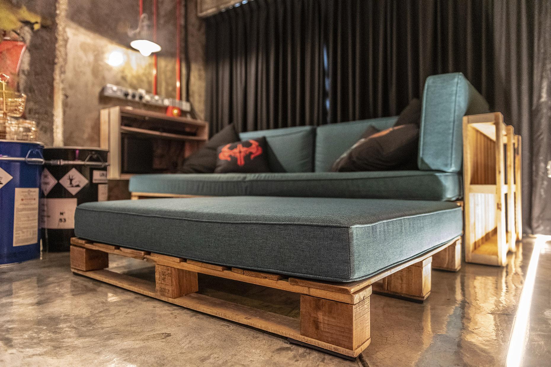 9 Living Sofa
