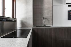 07 Kitchen + Foyer