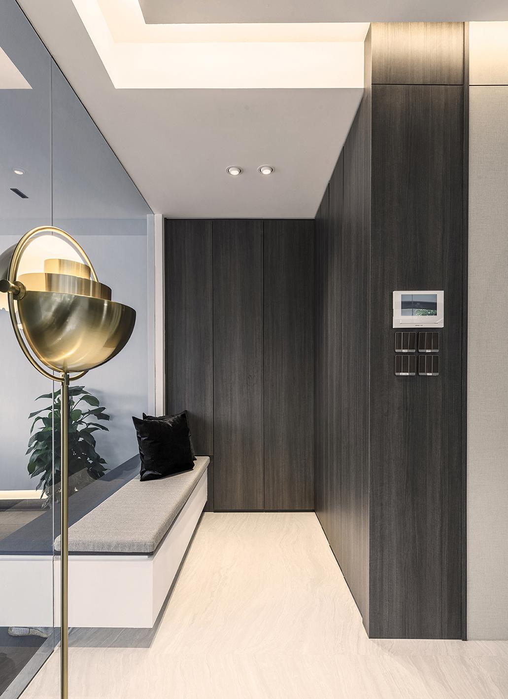 001 Foyer